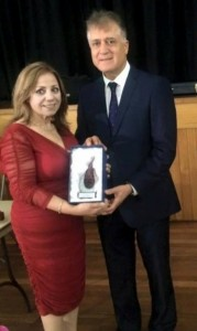 Marcelle Mansour recieves Arts & Creativity Award